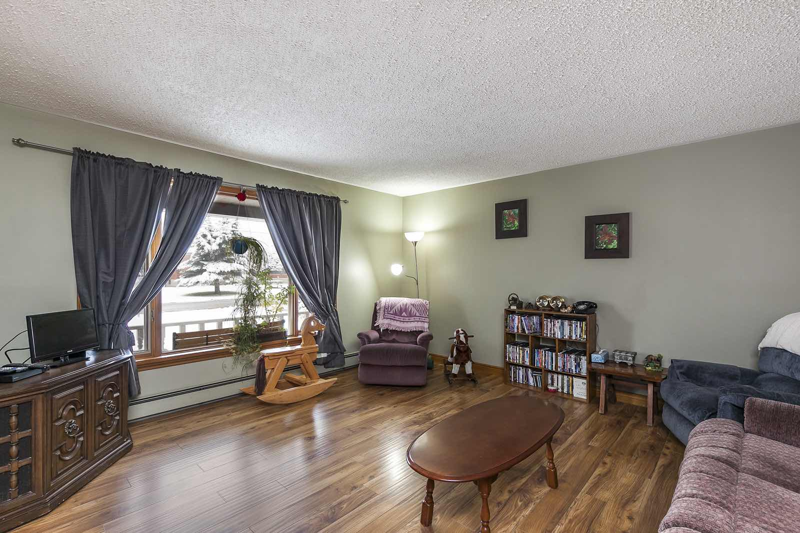 Real Estate Photographer in Stayner